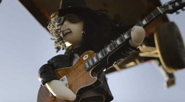 "Slash presenta video animado para la canción ""Driving Rain"