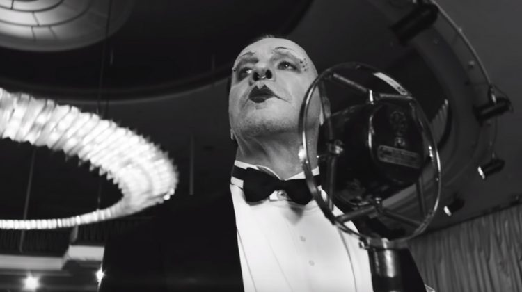 "Rammstein lanzó el video musical de su nuevo single ""Radio""."